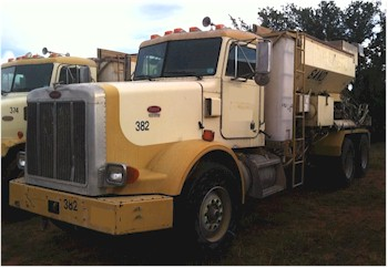 2001 Custom Crete 8 1/2 yd Mobile Mixer for Sale